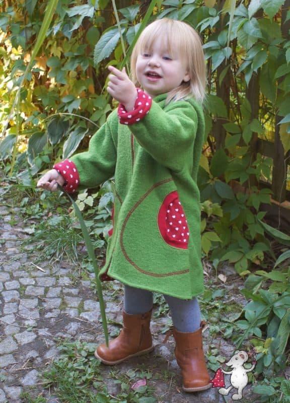 Mantel Ronja aus Wollwalk in Grün